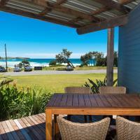 ArtHOUSE Beachfront Accommodation, hotel em Emerald Beach