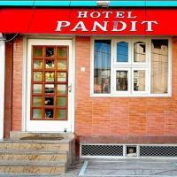 Hotel Pandit, hotel in Chittaurgarh