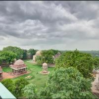 Heritage Apartment @ Hauz Khas Village, hôtel à New Delhi (Hauz Khas)