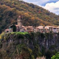 Cala Clareta, hotel in Castellfollit de la Roca