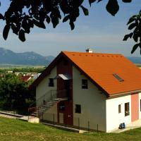 Privát pod kostolom - Ubytovanie Valča, hotel in Stará Turá