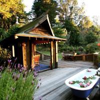 Magic Cottages at Takou River, hotel in Kerikeri