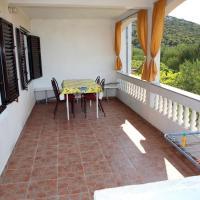 Holiday apartments Vrgada, Biograd - 4200, hotel in Vrgada