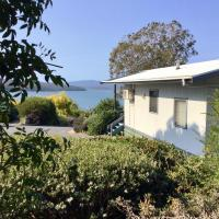 Blue Waters Holiday Cottages For 2, hotel em Mallacoota