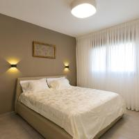 Maorissimo Boutique Apartment, отель в Акко
