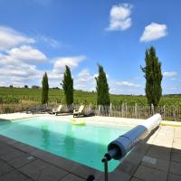 Vintage Farmhouse in Vinzelles with Pool