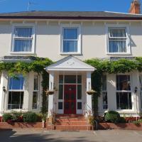 Victoria Park Lodge, hotel in Leamington Spa