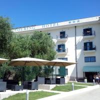 Touring Hotel, hotell i Rodi Garganico