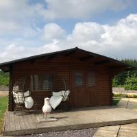 Lochinvar - Shetland Budget Log Cabin with Private Hot Tub