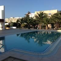 Luxury Seafront Apartment With Pool