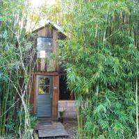 Cabana Bambu, отель в городе Sapiranga