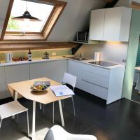Rappizza Holiday Home, hotel in Sint-Denijs-Westrem