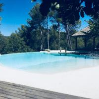 La Villa Aix, hotel in Meyreuil