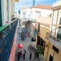"""Deluxe Stay in """"Plaza Vieja"""", Old Havana, hotel in Havana"""