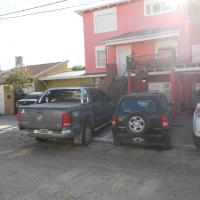 Apart Eva Luna Departamentos y Habitaciones con baño privado, hotel en Las Grutas