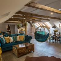 Old Town Boho-Chic Attic with Hanging Chair