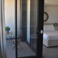 Accommodate Canberra - Azure, hotel near Canberra Airport - CBR, Kingston