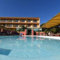 Hotel Cyrnea, hôtel à Calvi