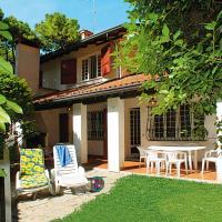 Grosse Villa nahe Strand, hotell i Lignano Sabbiadoro