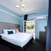 The Stirling Arms Hotel, hotel in Perth