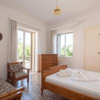 Retro Family House in Mystras with castle view