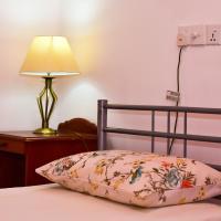Riverside Home, hotel in Moratuwa
