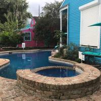 5 BR - Sleeps 10! Best Location next to French Quarter!
