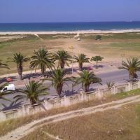 Magnifique appartement face à la méditerranée، فندق في بنزرت