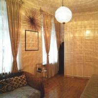 Apartment on Serafimovicha 2