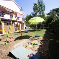 Apartments Lorena, hotel v destinaci Privlaka
