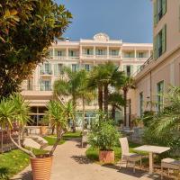 Hôtel Vacances Bleues Balmoral, hotel in Menton