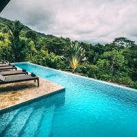 TikiVillas Rainforest Lodge - Adults Only, hotel in Uvita