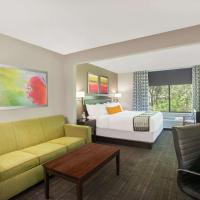Wingate by Wyndham Columbia, hotel in Columbia