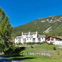 Chesa Saura - La Punt, hotel in La Punt-Chamues-ch
