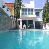 White House near Thunderbird Resort, hotel in San Fernando