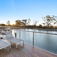 Gippsland Lakehouse A - Canal frontage