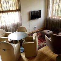 Holiday House Laura, hotel in Troitskoe