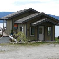 The Getaway Waterfront Cottage, hotel em Brew Bay