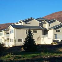 Hummingbird Springs Luxury Home, hotel in Midway