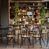 Wine Hotel San Giacomo Activity & Wellness, hotell i Paderno del Grappa