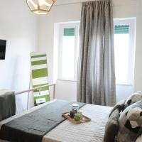 The Corner 180 Suite, отель в Козенце