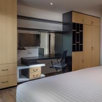 ROOM Hotel & Suites