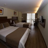 Howard Johnson La Cañada Hotel & Suites, hotel en Córdoba
