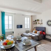 STUDIO VIEUX-PORT VUE BASILIQUE NOTRE-DAME, hotel in Le Panier, Marseille