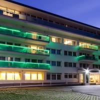 Hotel Aurum Family, отель в Хайдусобосло