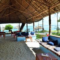 Juani beach bungalows, hotel in Kilindoni