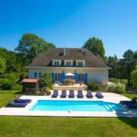 Fources Villa Sleeps 12 Pool WiFi, hotel in Fourcès