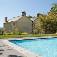 Llangeitho Chateau Sleeps 14 Pool WiFi