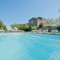 Canet-en-Roussillon Chateau Sleeps 22 Pool Air Con, hotel in Canet d'Aude