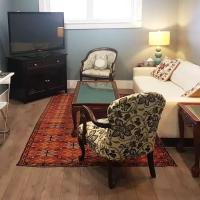 Long Lake Getaway - Quiet Accessible Suite with no Stairs / Steps, hotel em Halifax